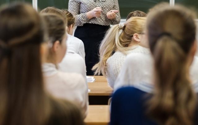 Вместо двух предметов – четыре: в администрации Перми рассказали, что ждет девятиклассников на экзаменах