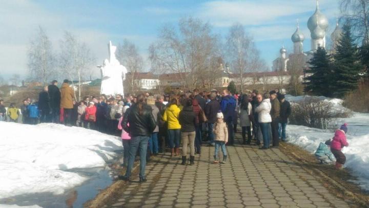 Жители Ростова призвали власти к ответу за вонючую и мутную воду