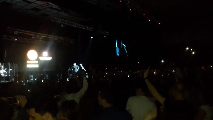 Во время концерта в Ростове Баста показал содержимое своей борсетки