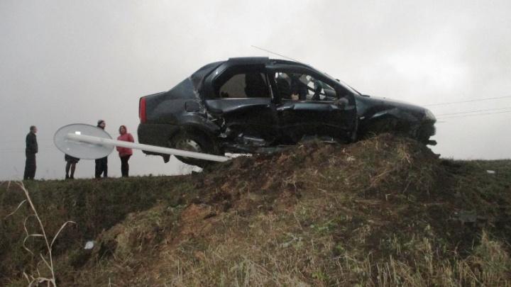 Смертельный обгон: под Сергиевском автомобилист врезался в дорожный знак и погиб