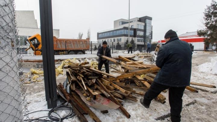 На улице Краснознаменской пакуют руины неприкасаемого ларька