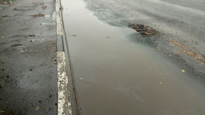 Московские дорожники устроили потоп на ремонтируемой дороге