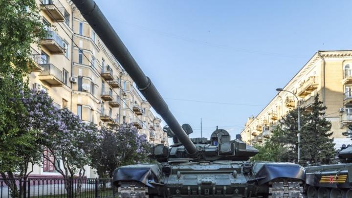 В Волгограде новый асфальт площади Павших борцов проверят танками