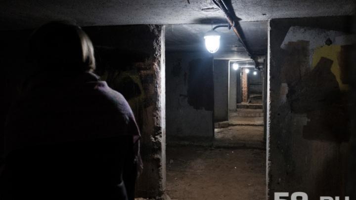 В Чайковском работнику УК, запершему в подвале шесть человек, дали год ограничения свободы