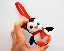 «Фаворит» приглашает тюменцев сыграть в «Мафию» и сделать пингвиненка