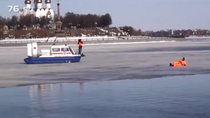 Бейте палками по льду: в МЧС предупредили ярославцев об опасности на реке
