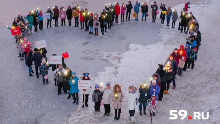 «Не верьте плохим прогнозам»: в Перми прошел «Парад героев» в поддержку детей, больных раком