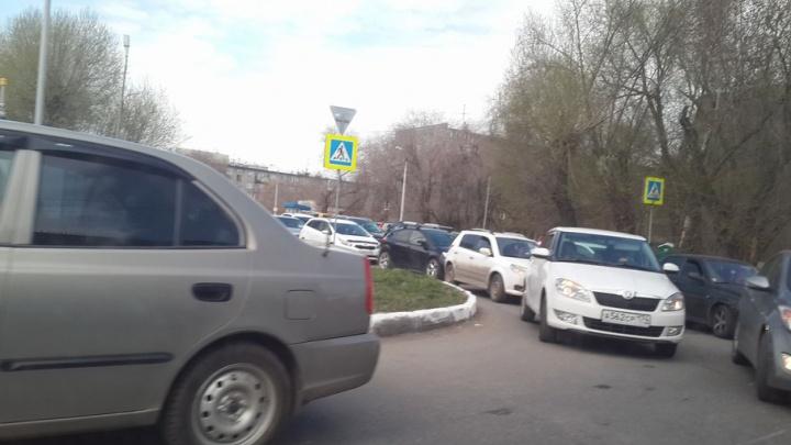 Бегуны и велосипедисты стали причиной пробок в Челябинске