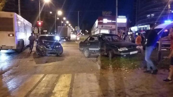 У водителей, столкнувшихся на перекрестке Мира и Советской Армии в Перми, не было прав