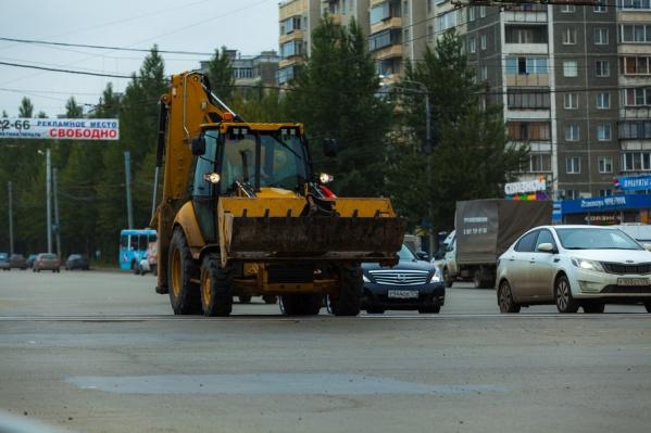 Причиной пробок могли стали дорожные работы, которые стартовали сегодня улице Каслинской