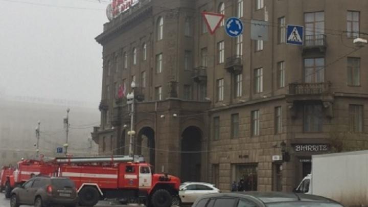 Волгоградцев напугало скопление пожарных машин в центре города