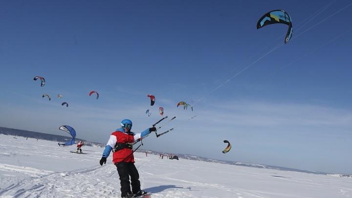 По льду «с ветерком»: в Прикамье пройдет чемпионат по сноукайтингу