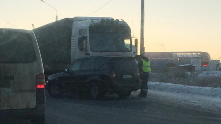 На Юго-западной окружной в Ярославле столкнулись четыре автомобиля