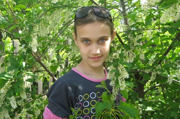 На этой фотографии Ане Анисимовой 12 лет. Снимок сделан незадолго до исчезновения девочки