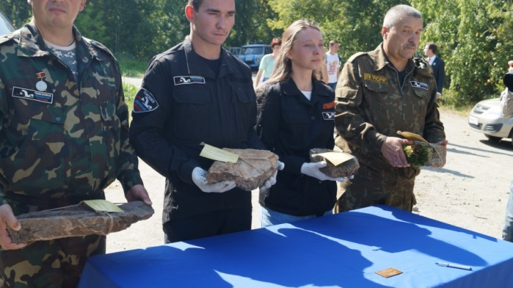 Челябинцы передали камни с «Золотой горы» для строительства «Стены скорби» в Москве