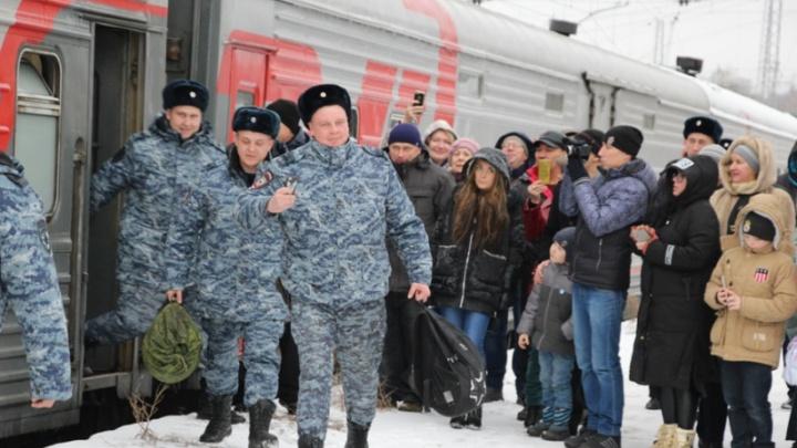 В полном составе: самарские полицейские вернулись из Чечни