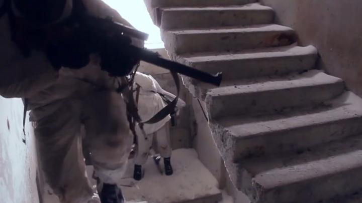«Сирийская» зима: самарские снайперы выбили «террористов» из здания