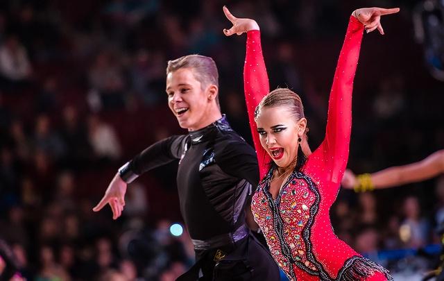 Танцы, шоу и любовь: смотрим самые яркие кадры с Кубка губернатора