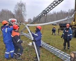Челябинские энергетики отрепетировали монтаж быстровозводимой опоры