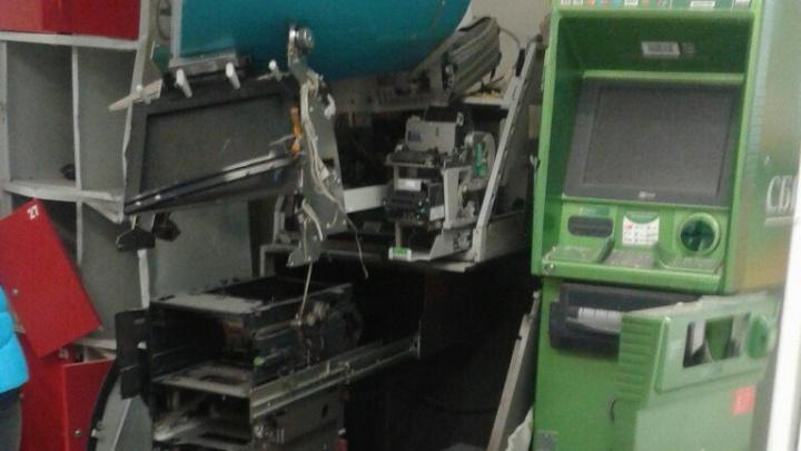 Преступников ищут, заведено уголовное дело: подробности налёта на «Магнит», где взорвали два банкомата