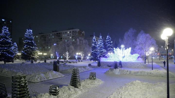 Переливается в ночи: в Самаре развесили 23 тысячи метров новогодней гирлянды
