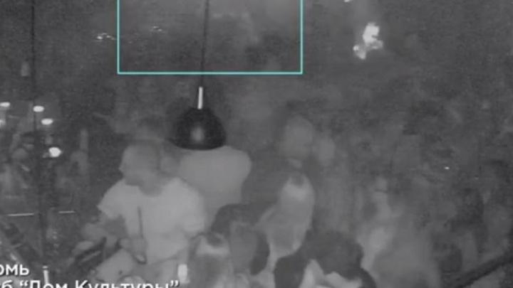 DJ Smash опубликовал видео, на котором его в пермском клубе избивают двое мужчин