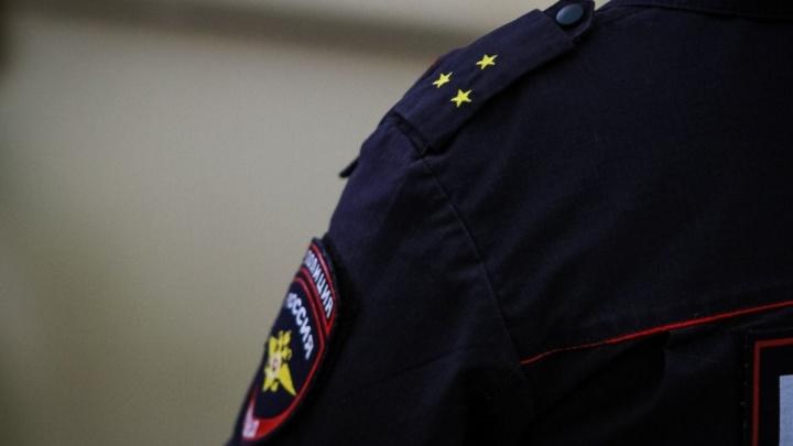 Экс-начальник участковых Семикаракорска выписал премии своим подчиненным и получил за это срок