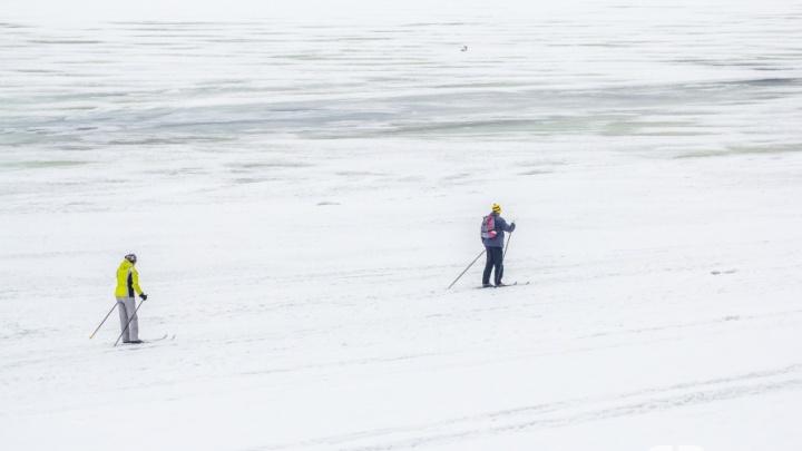 Легко провалиться: МЧС просит жителей Самарской области не выходить на лёд