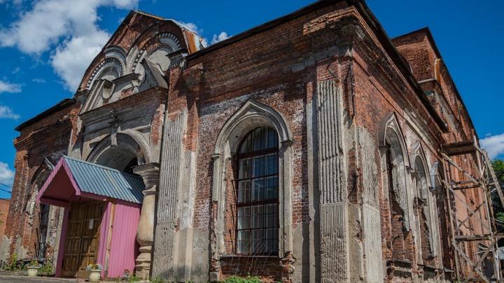 Спасти и сохранить: что происходит с уникальными ярославскими храмами