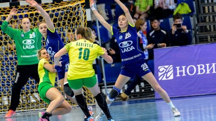 Гандбольная «Лада» прошла в финал чемпионата России
