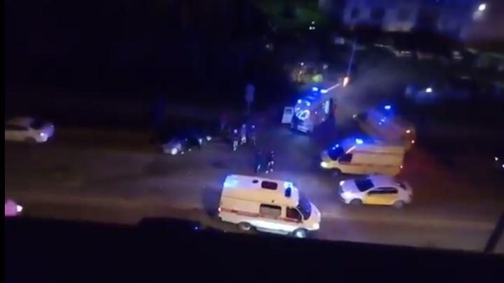Машина от удара перевернулась на крышу: ночью в Перми в аварии погибла девушка-водитель