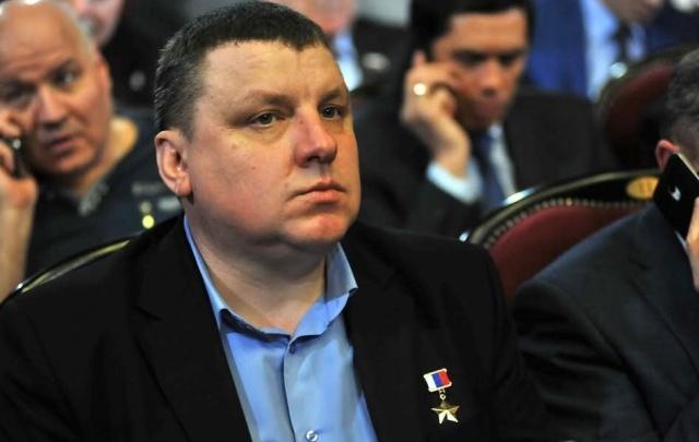 Военный, уничтоживший десять боевиков, стал советником ярославского губернатора