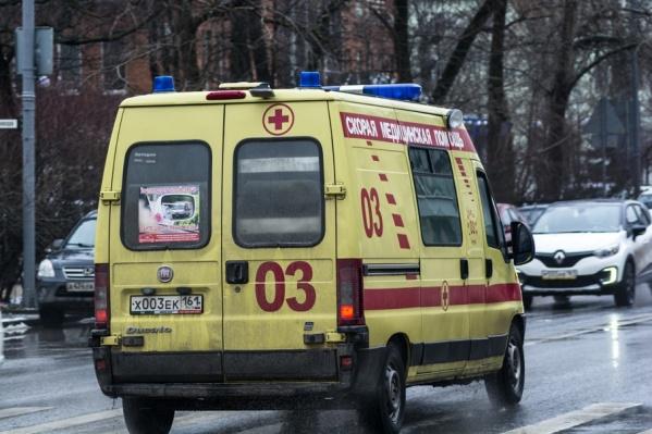 Пострадавшего на скорой увезли в больницу