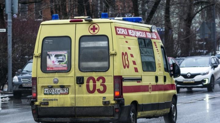 «Что-то пил из баночки»: ростовский школьник потерял сознание в автобусе
