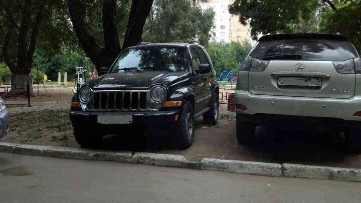 Полиция изъяла угнанный Jeep, который нашли благодаря «письму счастья» с Кировского моста