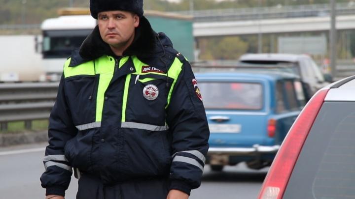 В Ростовской области водитель грузовика на темной дороге сбил насмерть пешехода