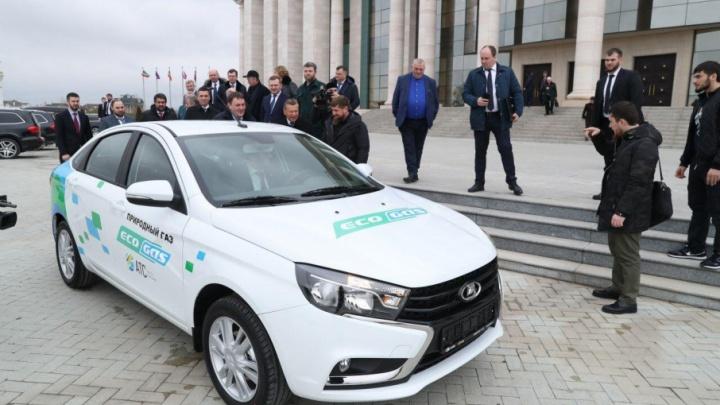 Рамзану Кадырову показали битопливную «Весту»