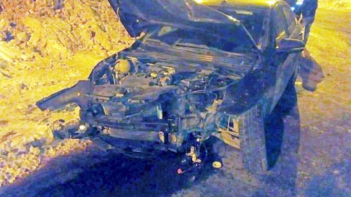В Тольятти молодой водитель Lada вытолкнул такси с перекрестка