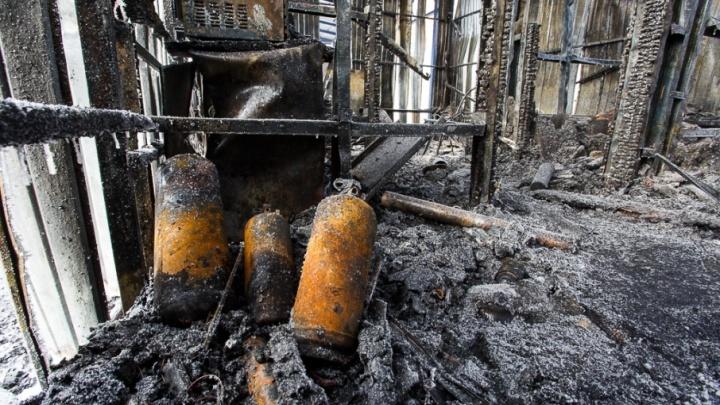 Под Волгоградом на пожаре в собственном доме заживо сгорела 75-летняя женщина