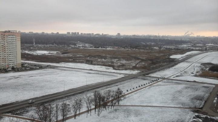 Жители «Суворовского» просят чиновников построить им обещанную дорогу