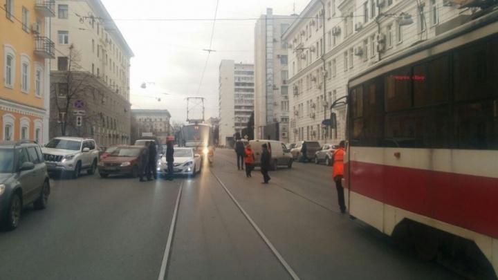 В Самаре ДТП на Галактионовской парализовало движение трамваев в обоих направлениях