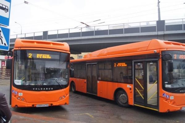 """Теперь все автобусы ВПАТП-7, включая новые оранжевые """"Волгабасы"""", обследуют по ночам"""