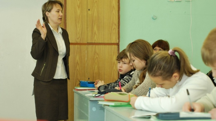 Школы Поморья обещают ориентировать на рабочие профессии и спорт