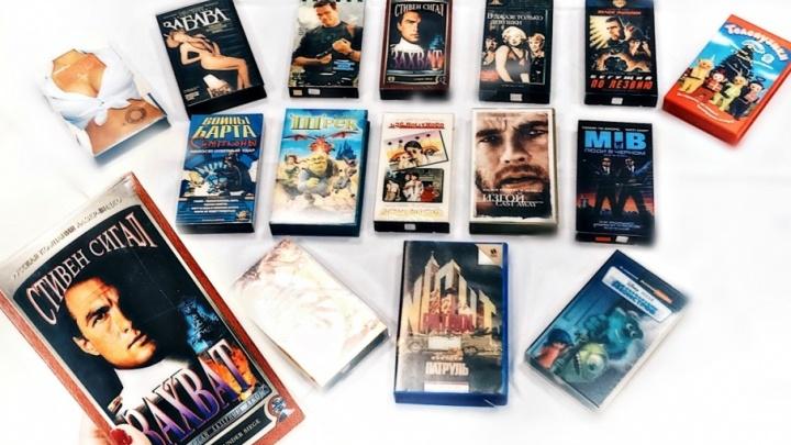 «Том и Джерри», «Лангольеры» и фильмы 18+: тюменец собрал коллекцию из 800 видеокассет