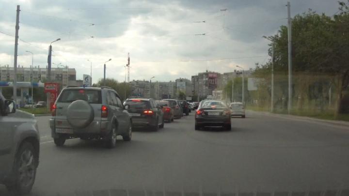 Разметку на Братьев Кашириных нанесут, когда закончится ремонт улицы