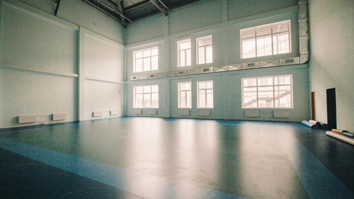 Фотостудия, стадион на 600 мест и зал хореографии: виртуальная экскурсия по строящимся тюменским школам