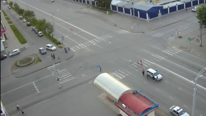 Девушка за рулем «Тойоты» сбила пенсионерку на зебре