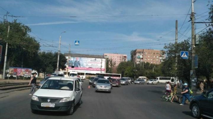 В Волгограде пенсионер на Renault сбил подростка-велосипедиста