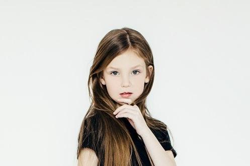 Семилетняя девочка из Тюмени может стать самой красивой моделью в России