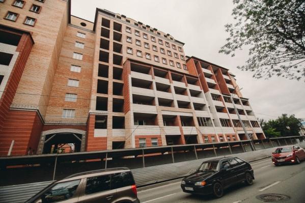 В долгострое на перекрестке улиц Ленина и Кирова квартиры купили 34 человека